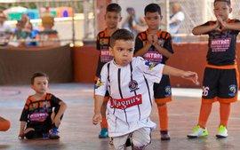 Thần đồng bóng đá Brazil mắc bệnh khó chữa, cầu mong phép màu giống Messi