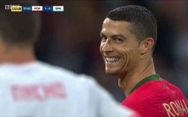 Ronaldo cười