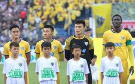 FLC Thanh Hóa thăng hoa cùng Bùi Tiến Dũng, lọt vào Top 3 V.League 2018