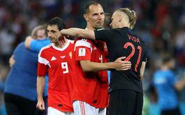 Cầu thủ Nga òa khóc sau thất bại trên chấm 11m định mệnh
