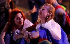Khán giả Nga trải qua mọi cung bậc cảm xúc để rồi đau khổ nhìn đội nhà bị loại