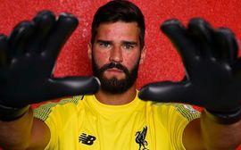 Liverpool chính thức sở hữu thủ thành đắt giá nhất thế giới