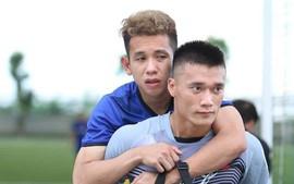Hồng Duy Pinky tâm sự xúc động khi phải chia tay U23 Việt Nam