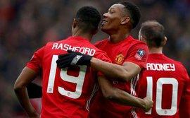 Sao Man United rớt khỏi vòng chung kết, Mbappe tiếp bước Martial đoạt giải thưởng danh giá