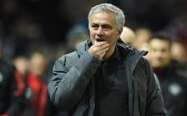Đối thủ đồng loạt rút quân, Mourinho lo Rashford