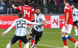 Messi tịt ngòi, Sergio Aguero nổ súng đánh bại chủ nhà World Cup 2018