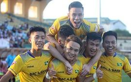 'Hủy diệt' B.Bình Dương, SLNA vô địch Cúp quốc gia 2017