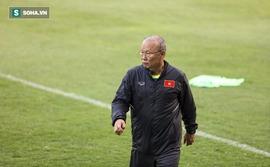 Thầy trò HLV Park Hang-seo mất