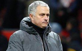 Tiền Man United không thiếu, nhưng chủ yếu là Mourinho phải