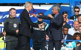 Hỡi Mourinho, ông cũng chẳng khá hơn Wenger là bao!