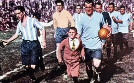 Lịch sử World Cup 1930: Cúp vàng thế giới khai sinh trong gian khó