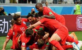 Cận cảnh chiến thắng của ĐT Anh: Muỗi, penalty,