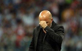 Thảm bại trước Croatia, HLV Argentina vẫn hết lời nịnh nọt Messi