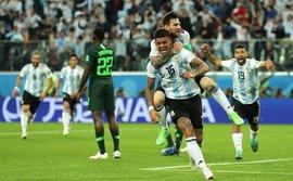 Đừng hoài nghi Messi, mà hãy khóc cho một Argentina không xứng đáng!
