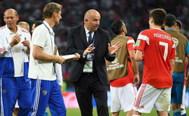 Bị loại khỏi World Cup, HLV tuyển Nga nói gì?
