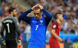 Đức chơi FIFA – bị loại, Neymar chơi CS:GO – về nước, Griezmann chơi Fortnite – trắng tay?
