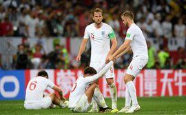 Nước mắt Tam Sư ướt đẫm Luzhniki, người Anh gạt lệ nói điều khó tin về đội tuyển