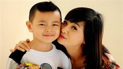 Cát Phượng: Con tôi khóc khi Thái Hòa lấy vợ