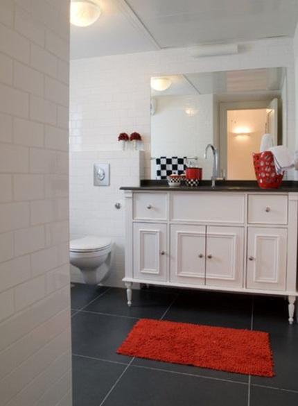 0c69506cachbaitriphongtamantuo Chia sẻ 6 cách bài trí phòng tắm ấn tượng với gam màu đỏ