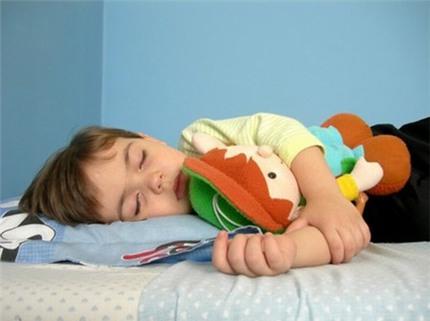 Đối phó với chứng đái dầm ở trẻ