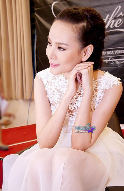 Mặc váy ren đẹp như Dương Yến Ngọc