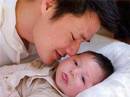 Quang Dũng khoe ảnh cha con tình cảm