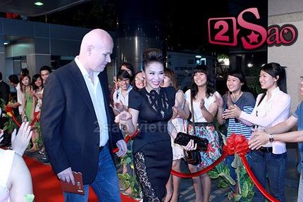 Triệu phú Hà Lan tháp tùng Thu Minh dự giải Cánh diều vàng