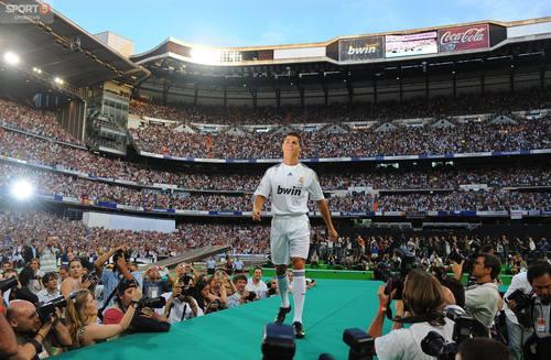 Toàn bộ bức tâm thư lấy nước mắt người hâm mộ của Ronaldo sau khi rời Real