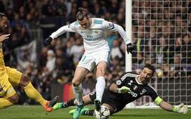 Làm Ronaldo giận dữ vì đánh gót, Gareth Bale bị thay ra chỉ sau một hiệp đấu
