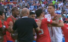 Cổ động viên Man United phấn khích cao độ với hành động của Matic