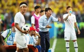 Đã trắng tay trước Thụy Điển, HLV Hàn Quốc còn bị