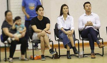 Cao Thiên Trang và bạn trai người Nhật hạnh phúc cùng nhau đi xem bóng rổ