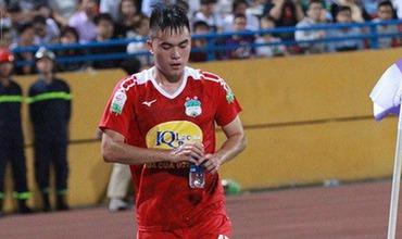Cầu thủ đốn chân Duy Mạnh bị treo giò 5 trận, phạt 25 triệu đồng