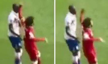 Salah thoát án phạt dù đấm vào mặt đối thủ, còn cơ hội phá kỷ lục Ngoại hạng Anh
