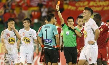 Vòng 20 V-League: Xin Vua đừng... bẻ còi!