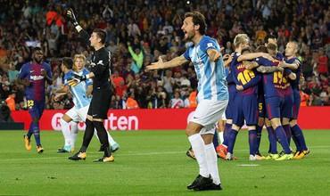 Trọng tài giúp đỡ mười mươi, Barcelona giành thắng lợi trước đội bóng bét bảng