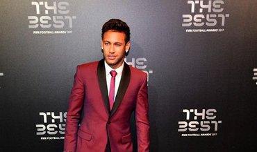 Đồng đội phẫn nộ vì đặc quyền như 'ông hoàng' của Neymar ở PSG