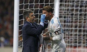 Sa lầy ở derby, Real Madrid tụt lại 10 điểm so với Barca