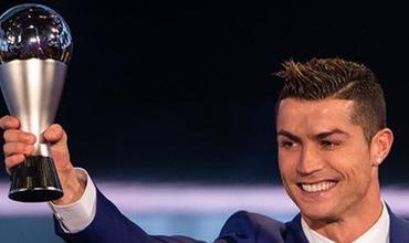 """Ronaldo - ngôi sao """"hạnh phúc"""" nhất năm 2017"""