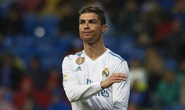 Lấy lại thế độc tôn, Ronaldo đưa
