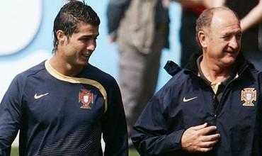 Ronaldo nhắn tin hỏi thầy cũ về Trung Quốc