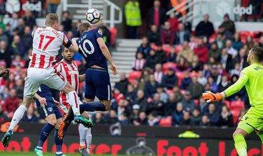 Harry Kane quyết vượt mặt Salah để lập hat-trick