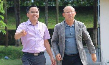 HAGL nhận trách nhiệm vụ để CĐV tiếp cận HLV Chu Đình Nghiêm