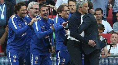 """Jose Mourinho: """"Man Utd mới xứng đáng vô địch FA Cup"""""""