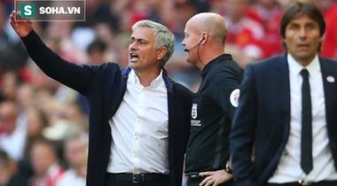 "Thua ""bẽ mặt"", Mourinho tức tối mỉa mai lối chơi của Chelsea"